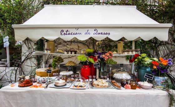 mesa de quesos para banquetes eventos bodas