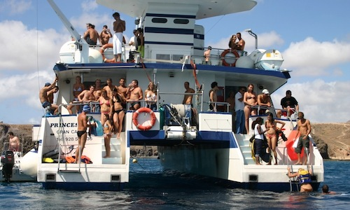 cumpleaños fiestas con amigos despedidas de solteros en barco