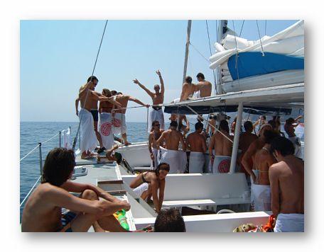 fiestas en barcos despedidas de soltera