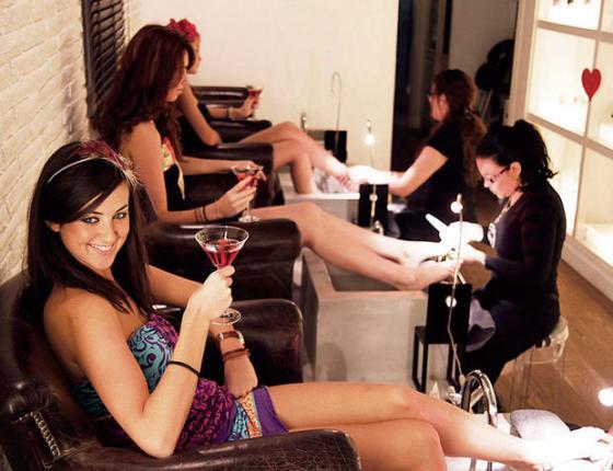despedida de soltera en valencia beauty party con catering cocktails amigas fiesta