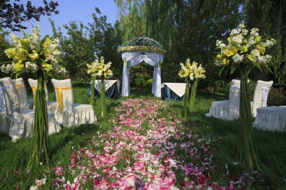 decoracion ceremonias en jardines bodas al aire libre decoracion con flores